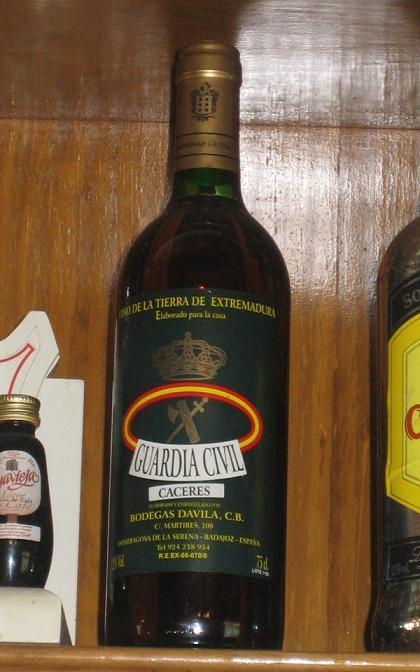 "Vino ""Guardia Civil"""
